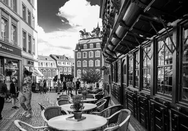 Busy Express-Line z Polski do Niemiec – dlaczego ludzie jeżdżą za granicę?